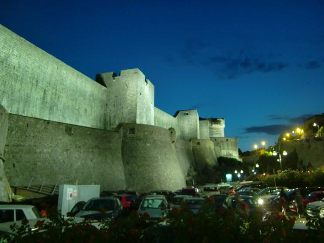 ドゥブロブニク夜の旧市街