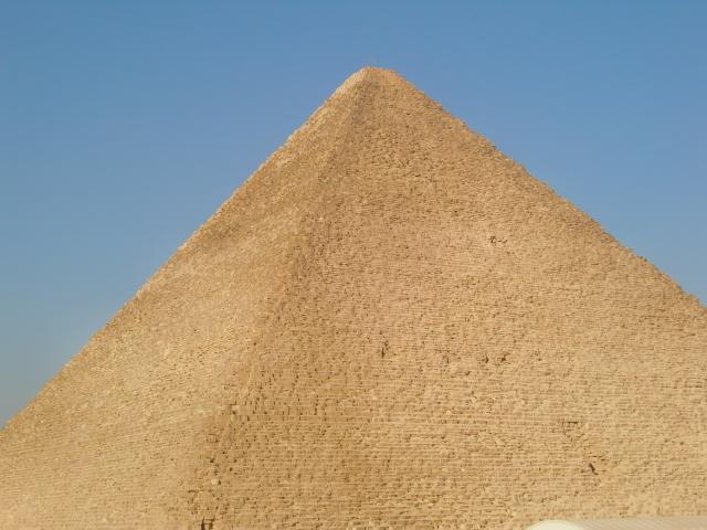 やっぱりギザのピラミッドは壮大!だけど・・・
