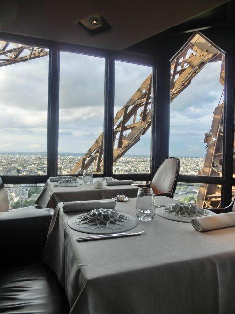 Le Jules Verne ~エッフェル塔で夕食を!~