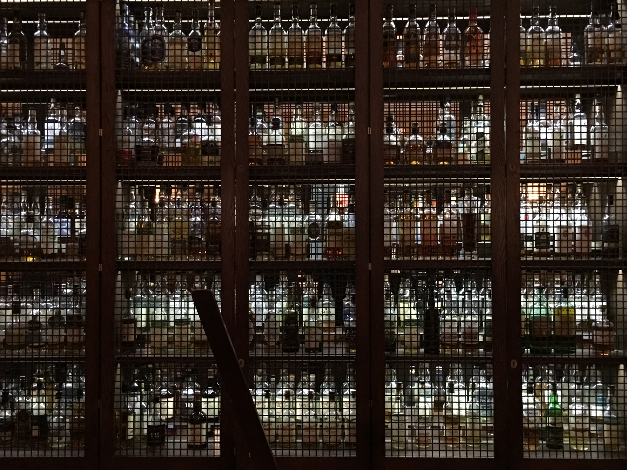 ザ バルモラル ホテルのThe Scotchでウィスキーを嗜む。