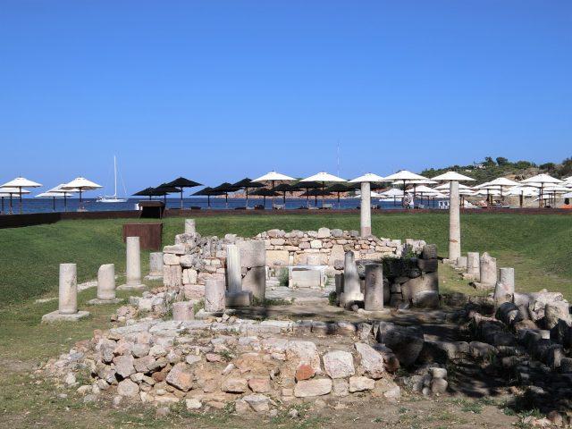 アテネ近郊で一番綺麗だと言われるアスティアビーチ