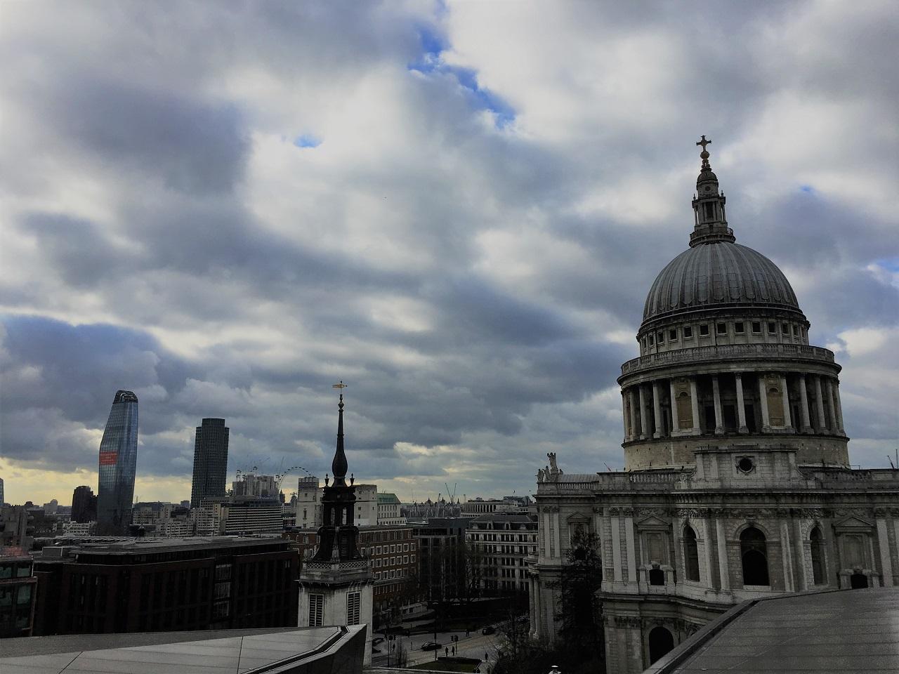 聖ポール大聖堂が目の前!ルーフトップテラスから眺めるロンドンの街@Madison Restaurant