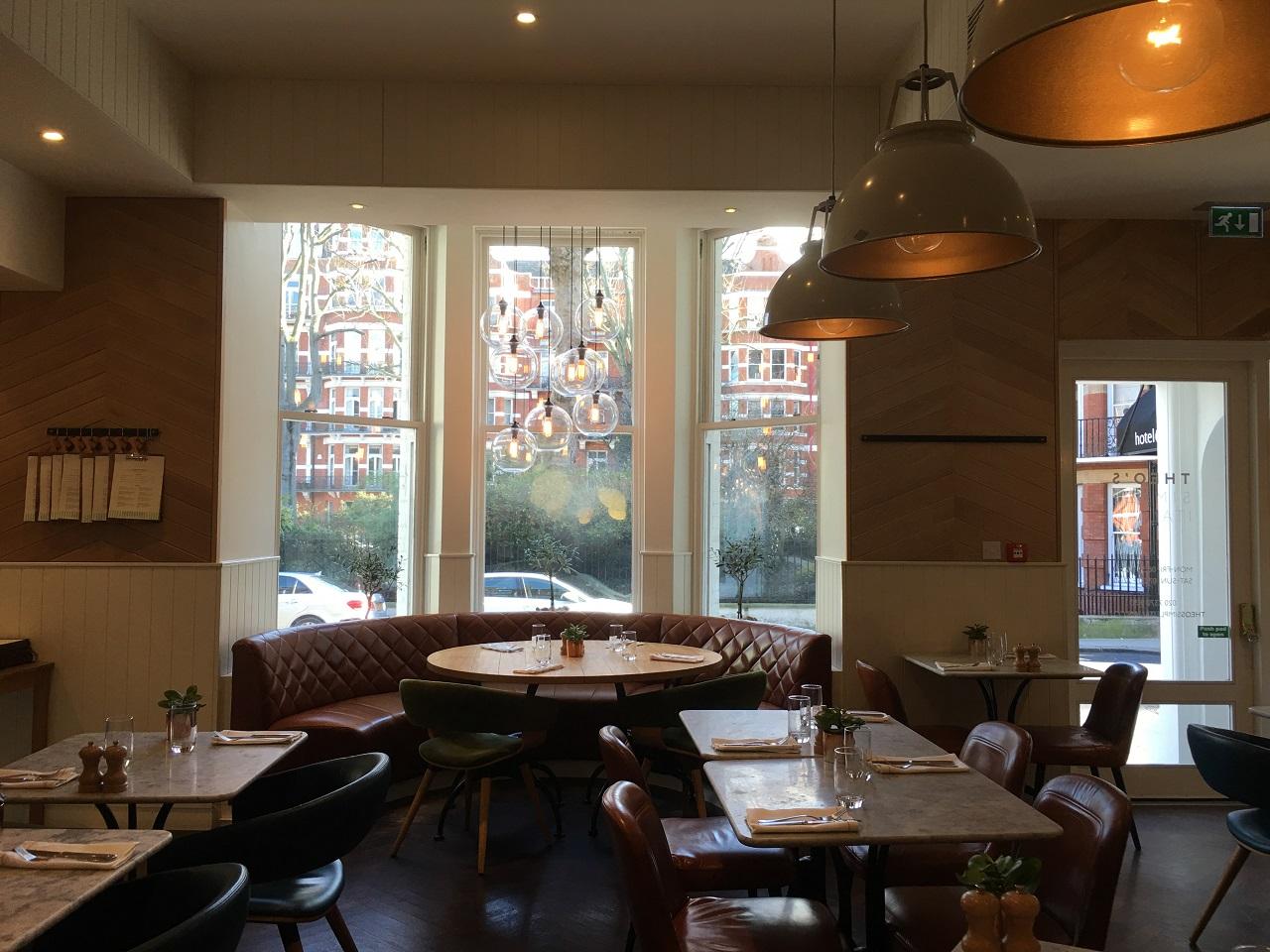 ホテル インディゴ ロンドン ケンジントンで食べる朝ごはん