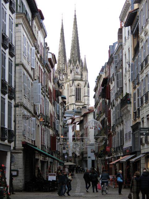 フレンチバスクの古い街バイヨンヌの街歩き