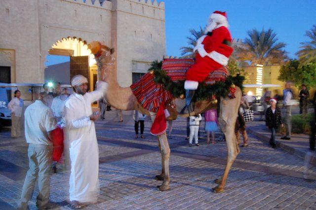Qasr Al Sarab サンタがラクダに乗ってやって来た!アナンタラ カスール アル サラブのクリスマス!