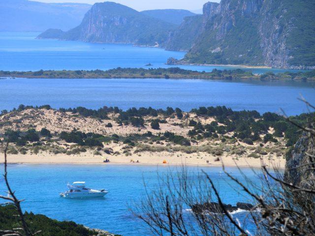 アオウミガメの産卵地コスタナヴァリノとオメガビーチ