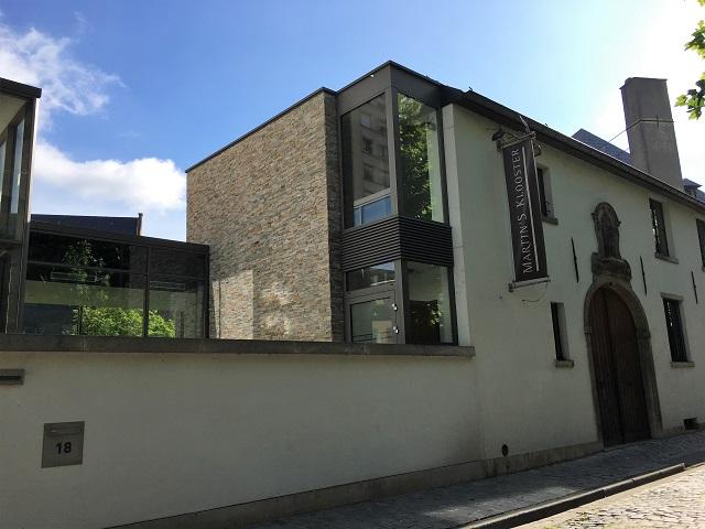 ベルギーの学生街ルーヴェンにあるホテル、マーティンズ クロスターに滞在