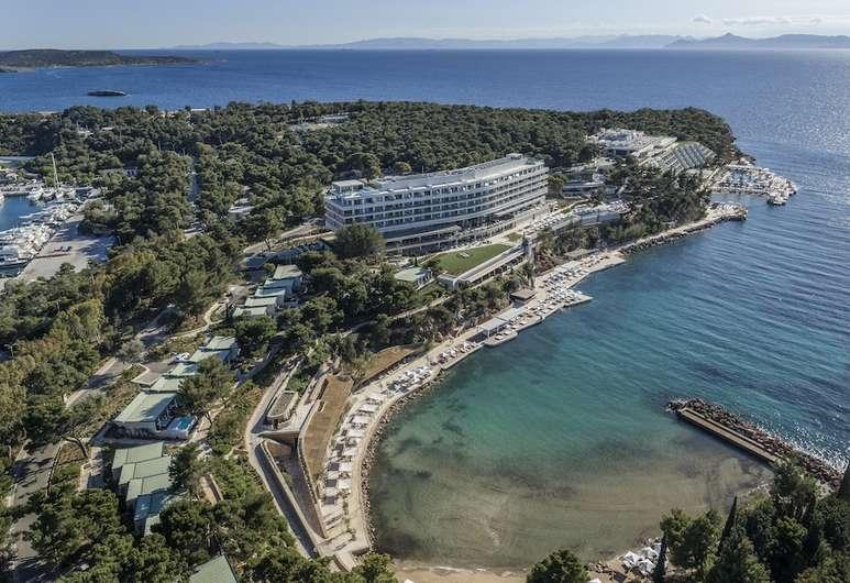 ギリシャのフォーシーズンズホテル、シービューのガーデンルームに滞在