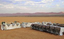 ナミブ砂漠で朝食♪