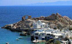 ミロス島の絶景!フイロポタモスのシルマタ