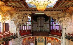 花の建築家モンタネールの最高傑作!美しいカタルーニャ音楽堂